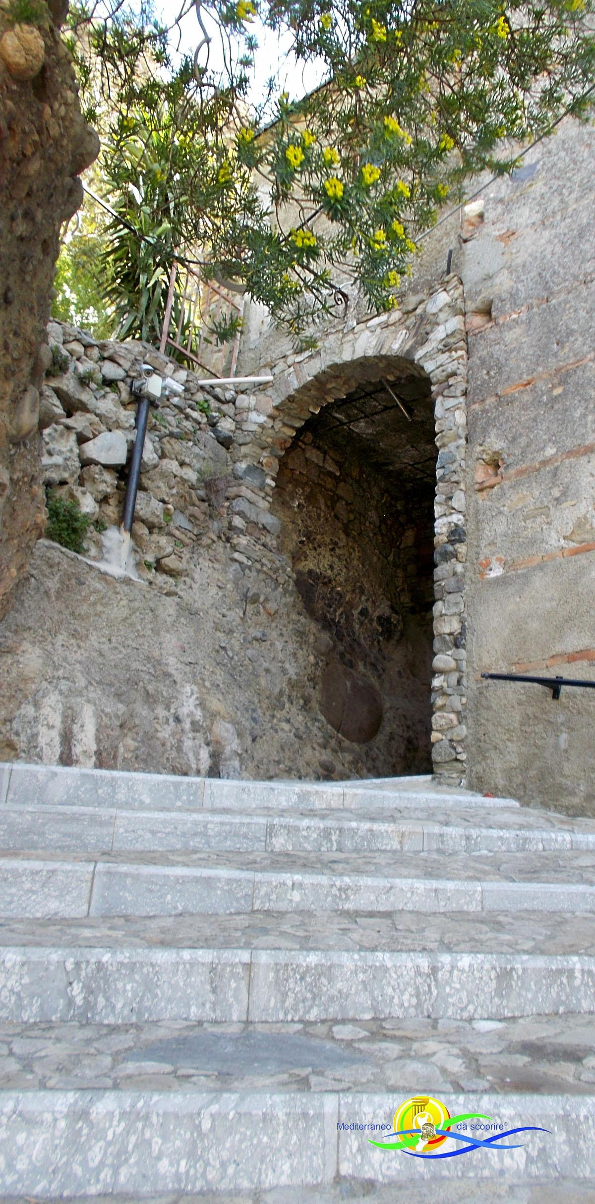 Mediterraneo da scoprire-Pentedattilo